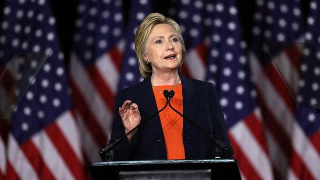 Bà Hillary Clinton đã dành đến 600 tiếng để làm đẹp trong suốt quá trình tranh cử - Ảnh 8.