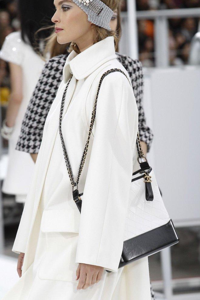 Túi mới của Chanel: Chưa ra mắt được bao lâu đã làm mưa làm gió tủ đồ của loạt sao Hoa ngữ - Ảnh 25.