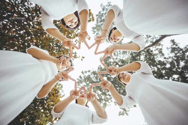 Bộ ảnh kỷ niệm 20 năm hội bạn thân Hà Nội sẽ khiến ta thầm mong một tình bạn như thế - Ảnh 14.