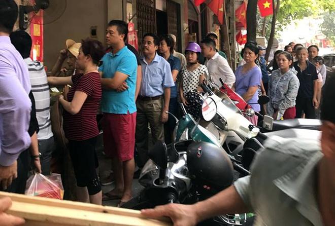 Trước giờ G điểm, bánh Trung thu cổ truyền nổi tiếng nhất Hà Nội đã có hiện tượng cháy hàng - Ảnh 7.
