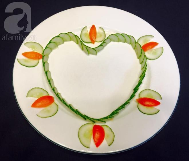 Chỉ với cà chua và dưa chuột bạn đã có thể trang trí đĩa ăn cực bắt mắt - Ảnh 6.