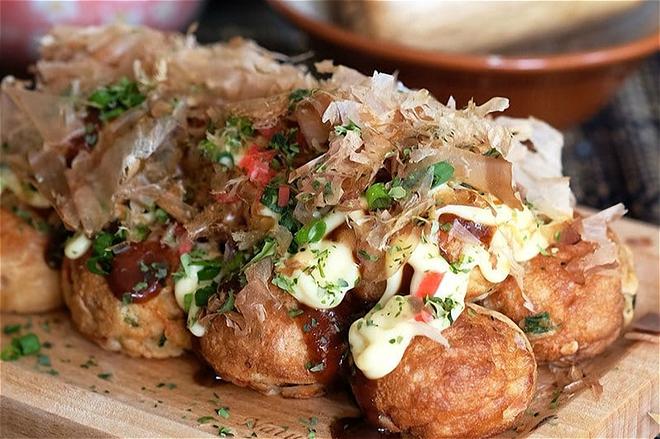 Làm bánh bạch tuộc Takoyaki của Nhật hóa ra cực dễ! - Ảnh 8.