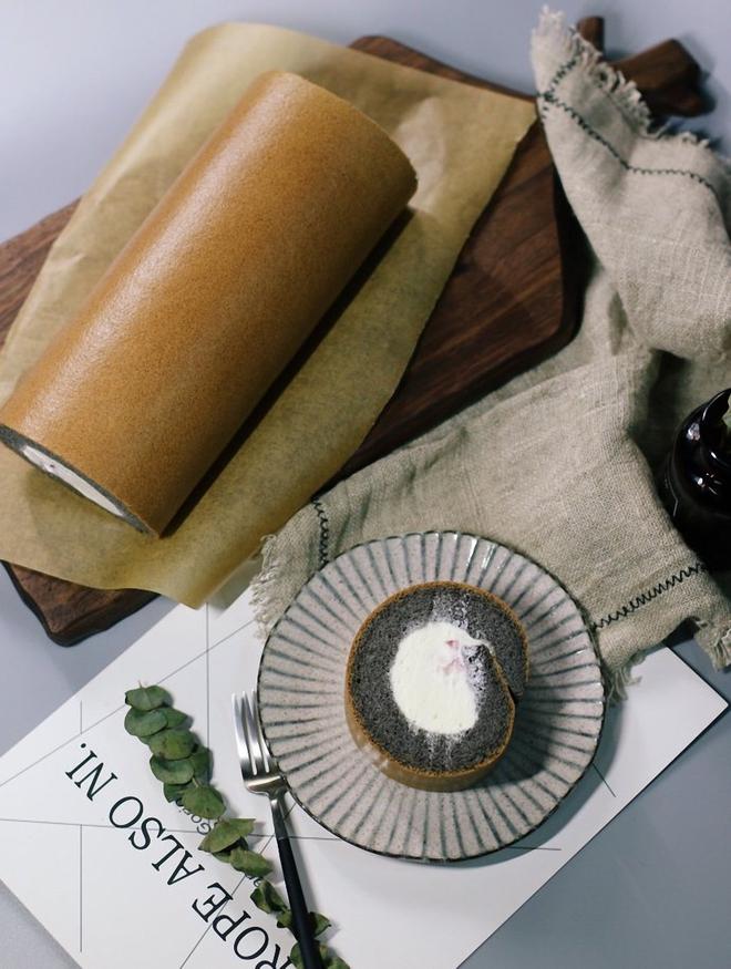 Cuối tuần đãi cả nhà bánh cuộn tinh than tre vừa ngon vừa bổ - Ảnh 8.