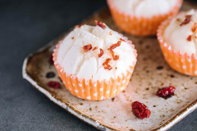 Dùng bột gạo nếp cũng làm được bánh cupcake xốp mềm ngon ngất ngây - Ảnh 4.