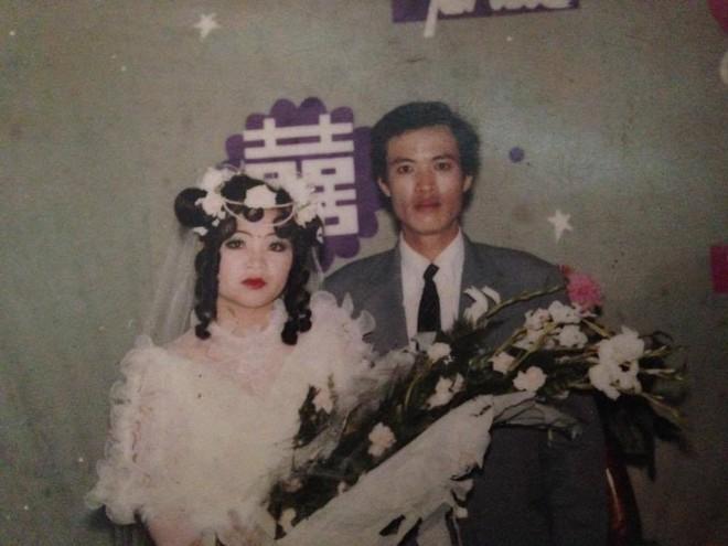 Đám cưới chất chơi thời bố mẹ anh thập niên 90: Pháo nổ râm ran, cả làng chạy theo cô dâu chú rể - Ảnh 22.