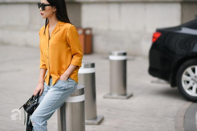 Street style cuối tuần: Quý cô hai miền - người lấp ló chân thon dài, người khoe vai trần cá tính - Ảnh 4.