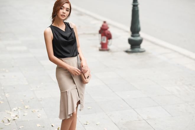 Street style cuối tuần: Quý cô hai miền - người lấp ló chân thon dài, người khoe vai trần cá tính - Ảnh 8.