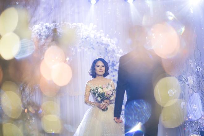 Đám cưới dát vàng của cặp đôi mới gặp lần 2 chàng đã khăng khăng đòi cưới - Ảnh 2.