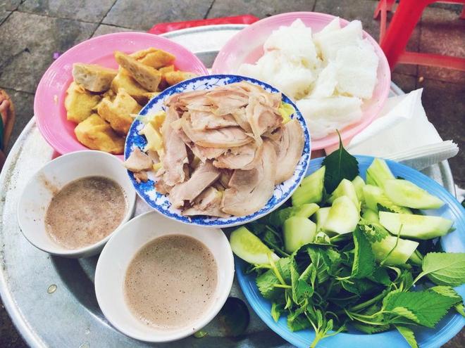 8 món ăn thần thánh giúp bạn chống chọi với thời tiết rán trứng giữa đường của Hà Nội - Ảnh 9.