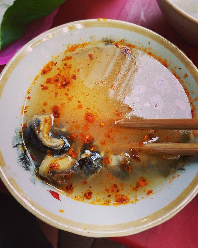 8 món ăn thần thánh giúp bạn chống chọi với thời tiết rán trứng giữa đường của Hà Nội - Ảnh 14.