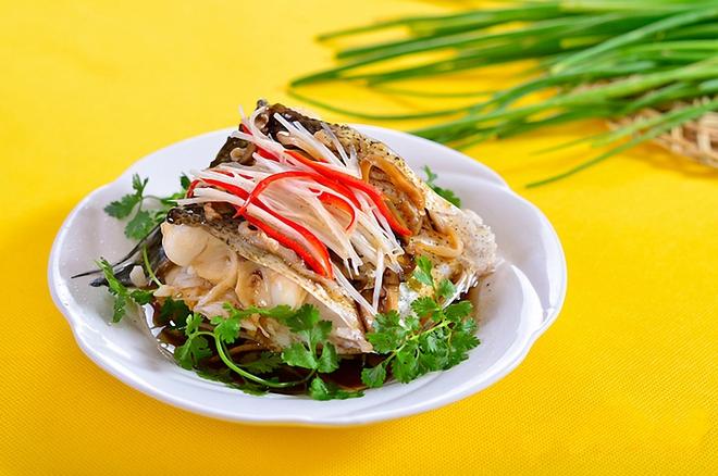 Thử ngay món cá hấp nóng hổi thơm phức cho bữa tối lạ miệng ngon cơm - Ảnh 4.