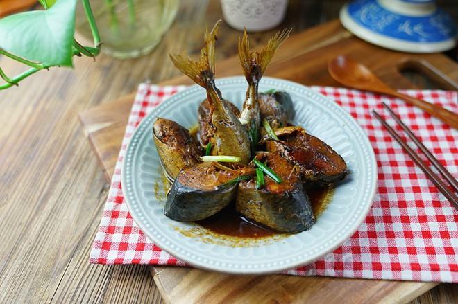 Cơm tối nóng hổi ăn cùng cá kho gừng thơm ngậy  - Ảnh 5.