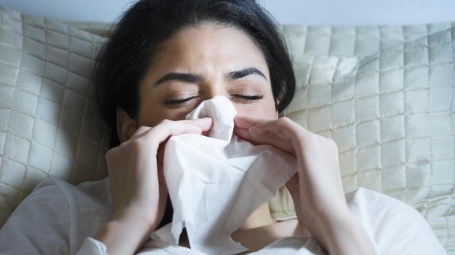 Những cách tự nhiên có tác dụng phòng bệnh cúm - bệnh cực phổ biến trong mùa lạnh - Ảnh 3.