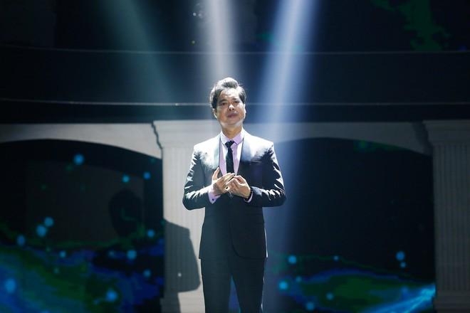 Sau ồn ào giáo sư âm nhạc, Ngọc Sơn trở lại với giọng hát nồng nàn - Ảnh 2.