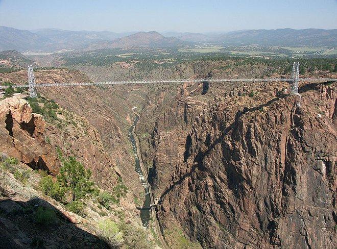 Chiêm ngưỡng những cây cầu độc đáo nhất thế giới - Ảnh 5.
