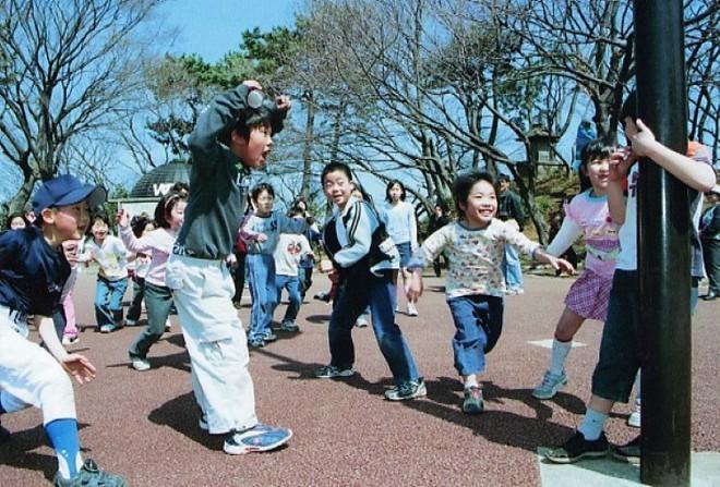 """Học cha mẹ Nhật kích thích """"hoóc môn hạnh phúc"""" cho con bằng những việc cực kì đơn giản - Ảnh 2."""