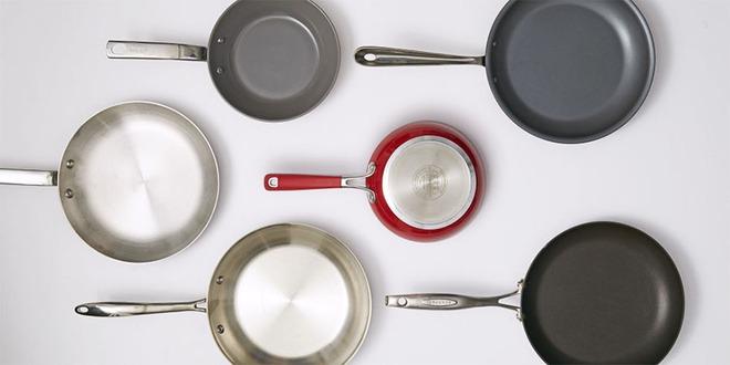 Không có lò nướng thì làm bánh bông lan bằng chảo không dính, vẫn thơm ngon như thường - Ảnh 1.