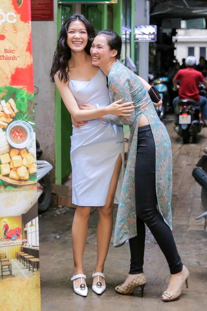 Hoa hậu Thùy Dung bất ngờ tái xuất, khoe sắc bên siêu mẫu Vương Thu Phương - Ảnh 2.