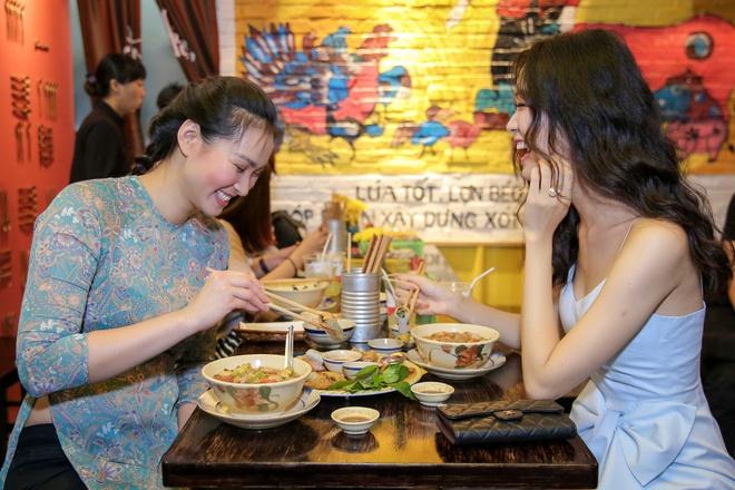 Hoa hậu Thùy Dung bất ngờ tái xuất, khoe sắc bên siêu mẫu Vương Thu Phương - Ảnh 6.