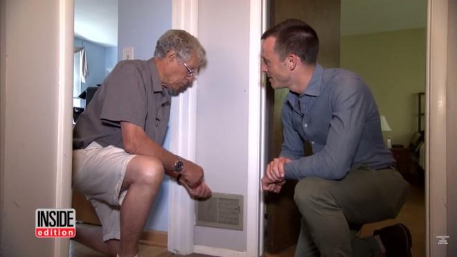 Bí mật 13 năm khiến khách nào tới nhà cũng thắc mắc về tiếng động lạ phát ra từ vách tường - Ảnh 2.