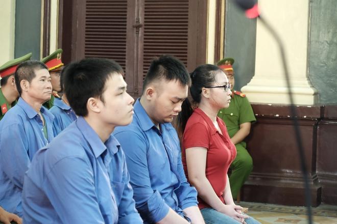 Nữ sinh bị tạt axit ở Sài Gòn kháng án thành công, cô gái chủ mưu lãnh án gần 10 năm tù - Ảnh 1.