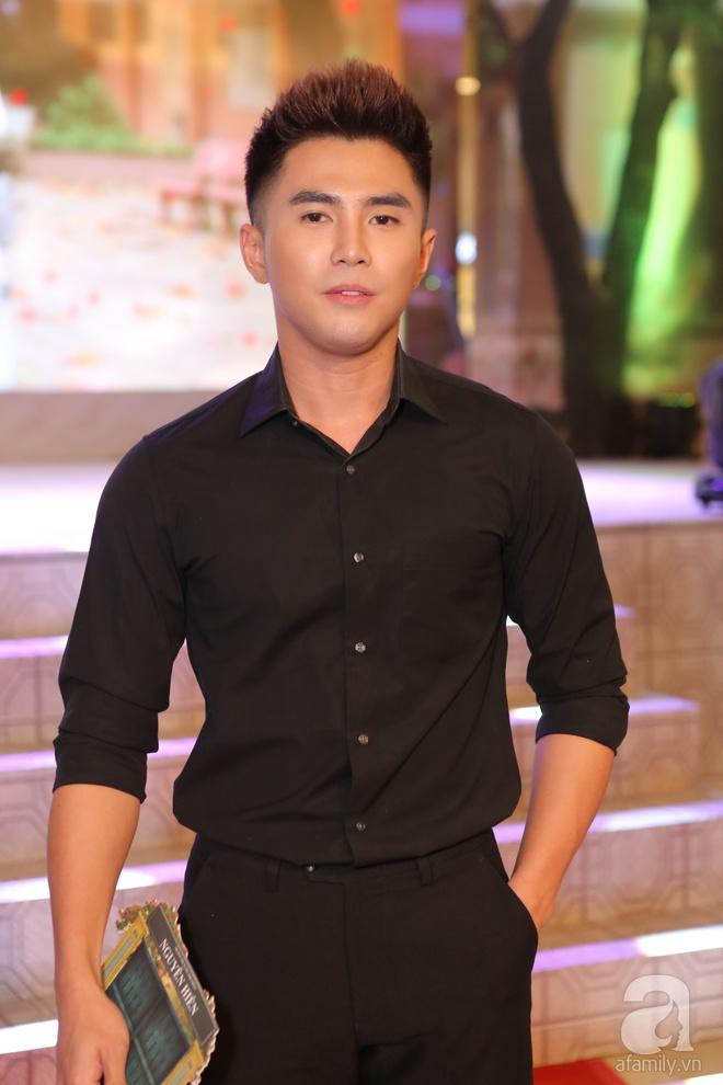 Miu Lê lạ mắt với tóc siêu ngắn, Hoàng Yến Chibi ấn tượng với style cổ điển - Ảnh 12.