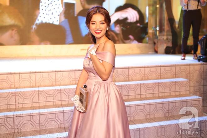 Miu Lê lạ mắt với tóc siêu ngắn, Hoàng Yến Chibi ấn tượng với style cổ điển - Ảnh 4.