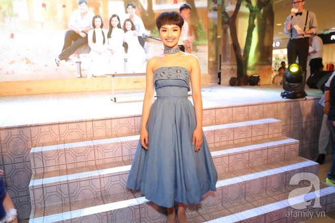 Miu Lê lạ mắt với tóc siêu ngắn, Hoàng Yến Chibi ấn tượng với style cổ điển - Ảnh 1.