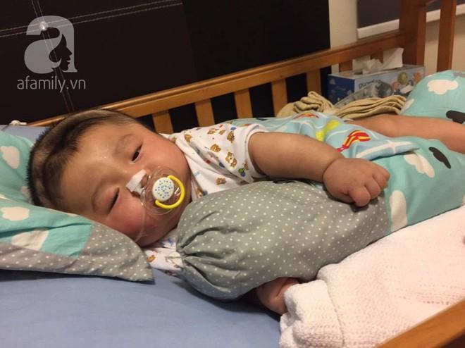 Vỡ òa hạnh phúc khi bé Phạm Đức Lộc đã mọc răng, đang tập lật - Ảnh 7.