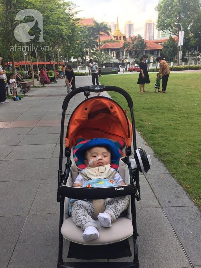 Vỡ òa hạnh phúc khi bé Phạm Đức Lộc đã mọc răng, đang tập lật - Ảnh 10.
