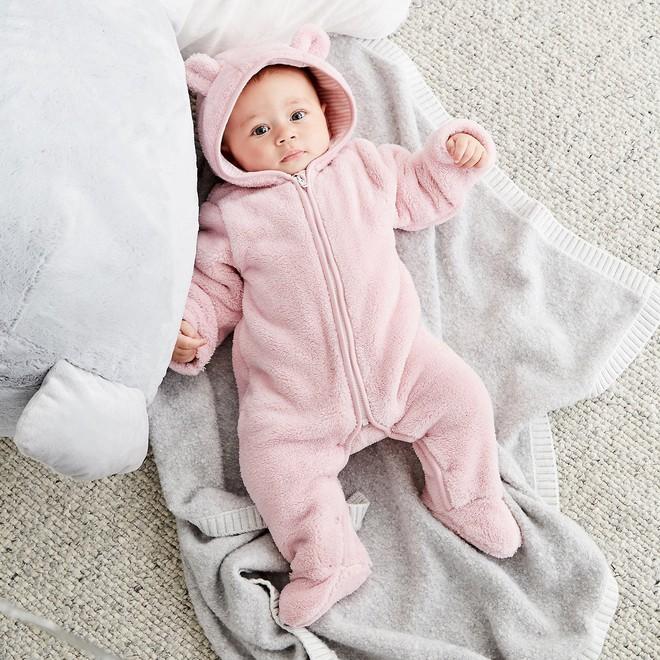 4 ấm 1 lạnh: Quy tắc giữ ấm giúp trẻ khỏe mạnh suốt mùa đông, các mẹ đã biết chưa? - Ảnh 2.