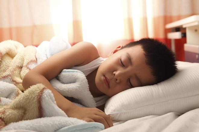"""Nguyên tắc """"ba chữ B"""" giúp bố mẹ không phải vật lộn với con mỗi giờ đi ngủ - Ảnh 1."""