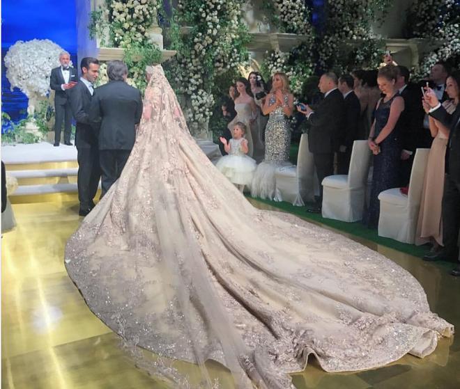 Đám cưới 240 tỷ xa hoa nhất hành tinh của cặp đôi ngậm thìa vàng ngay từ khi chào đời - Ảnh 3.