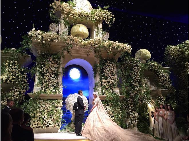 Đám cưới 240 tỷ xa hoa nhất hành tinh của cặp đôi ngậm thìa vàng ngay từ khi chào đời - Ảnh 5.