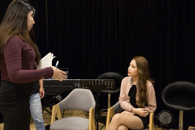 Chi Pu được T-Ara khen ngợi khi khoe giọng hát chay bằng tiếng Hàn  - Ảnh 8.