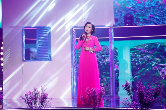 Sau ồn ào giáo sư âm nhạc, Ngọc Sơn trở lại với giọng hát nồng nàn - Ảnh 8.