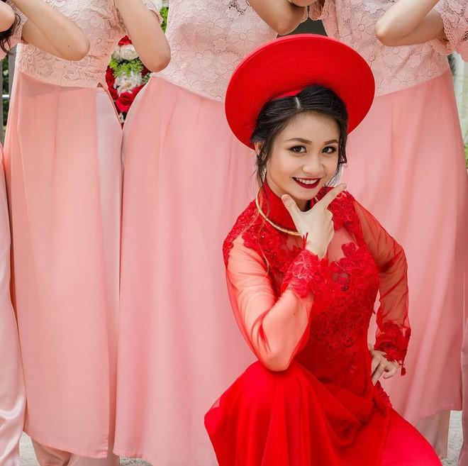 Cô dâu xinh xắn cùng dàn bê tráp hot girl  nhảy Cô ba Sài Gòn tưng bừng trong ngày ăn hỏi - Ảnh 3.