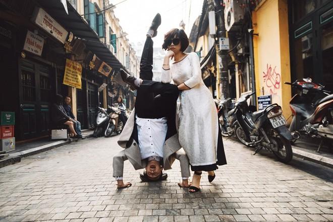 """Nhảy vòng quanh Hà Nội - ảnh cưới """"chất phát ngất"""" của cặp đôi vũ công """"chị ơi, em yêu chị"""" - Ảnh 3."""