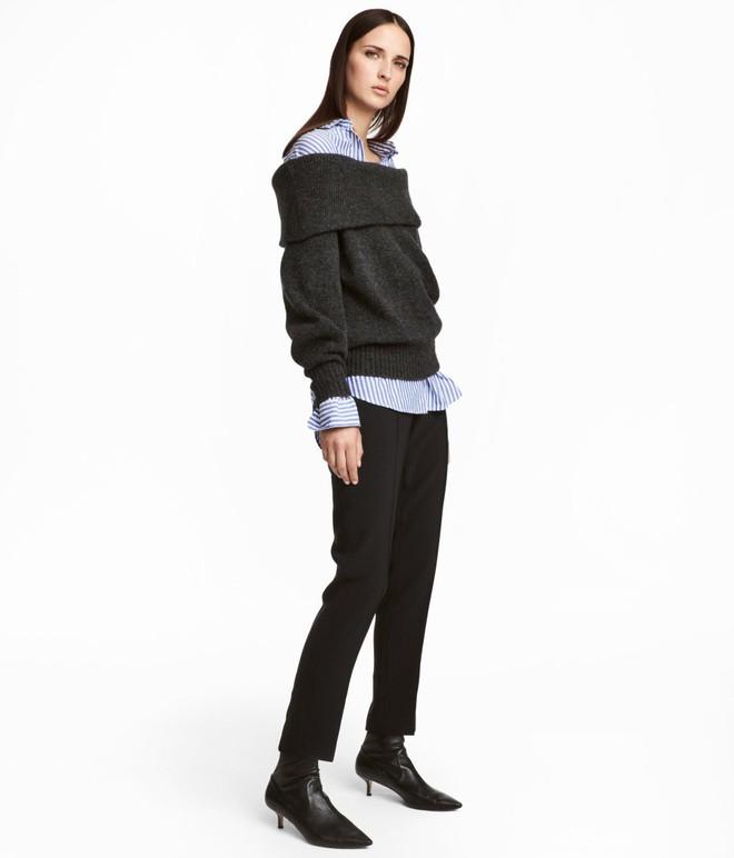 Gợi ý 15 mẫu quần dài từ Zara, Mango, H&M cứ mặc cùng boots là đẹp - Ảnh 1.