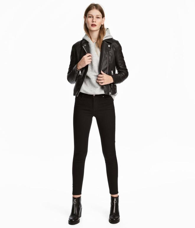 Gợi ý 15 mẫu quần dài từ Zara, Mango, H&M cứ mặc cùng boots là đẹp - Ảnh 5.