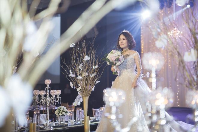 Đám cưới dát vàng của cặp đôi mới gặp lần 2 chàng đã khăng khăng đòi cưới - Ảnh 1.
