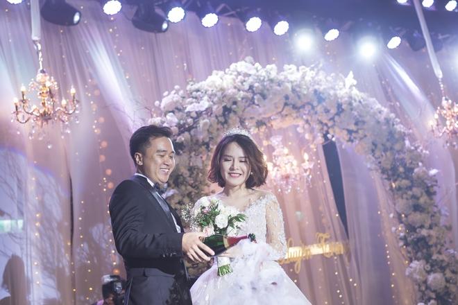 Đám cưới dát vàng của cặp đôi mới gặp lần 2 chàng đã khăng khăng đòi cưới - Ảnh 4.