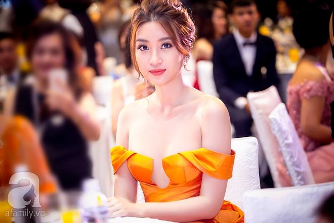 Hoa hậu Đỗ Mỹ Linh rạng ngời đọ sắc với Á hậu Huyền My - Ảnh 4.