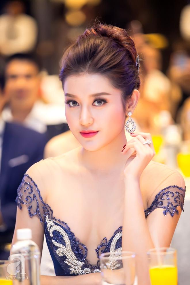 Hoa hậu Đỗ Mỹ Linh rạng ngời đọ sắc với Á hậu Huyền My - Ảnh 9.