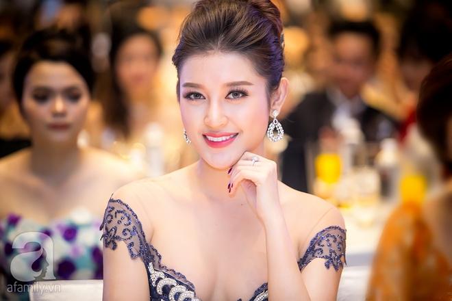 Hoa hậu Đỗ Mỹ Linh rạng ngời đọ sắc với Á hậu Huyền My - Ảnh 10.