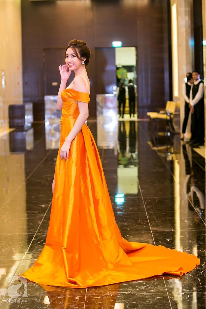 Hoa hậu Đỗ Mỹ Linh rạng ngời đọ sắc với Á hậu Huyền My - Ảnh 5.