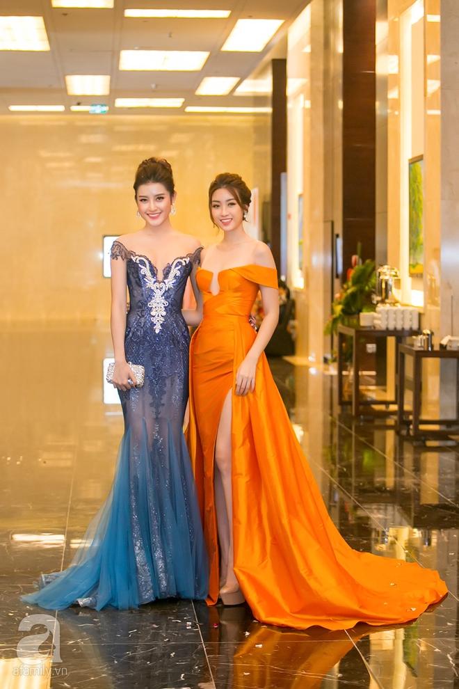 Hoa hậu Đỗ Mỹ Linh rạng ngời đọ sắc với Á hậu Huyền My - Ảnh 1.