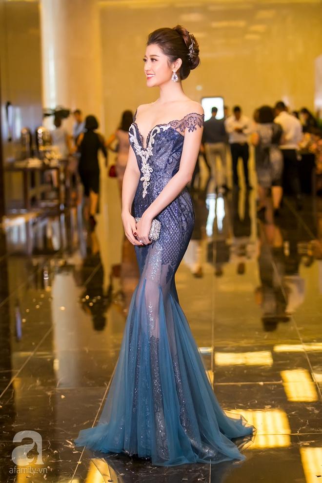 Hoa hậu Đỗ Mỹ Linh rạng ngời đọ sắc với Á hậu Huyền My - Ảnh 12.