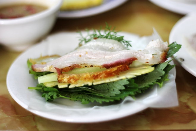 8 món ăn thần thánh giúp bạn chống chọi với thời tiết rán trứng giữa đường của Hà Nội - Ảnh 12.