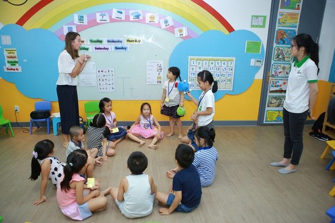 Mẹ có biết: 3 giai đoạn học tiếng Anh của trẻ mẫu giáo - Ảnh 1.